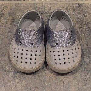 Sparkly Native toddler girl shoes in size 5